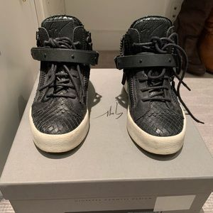 Giuseppe Zanotti BLACK sneakers with buckle 37